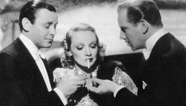 "Marlène Dietrich dans ""Ange""."