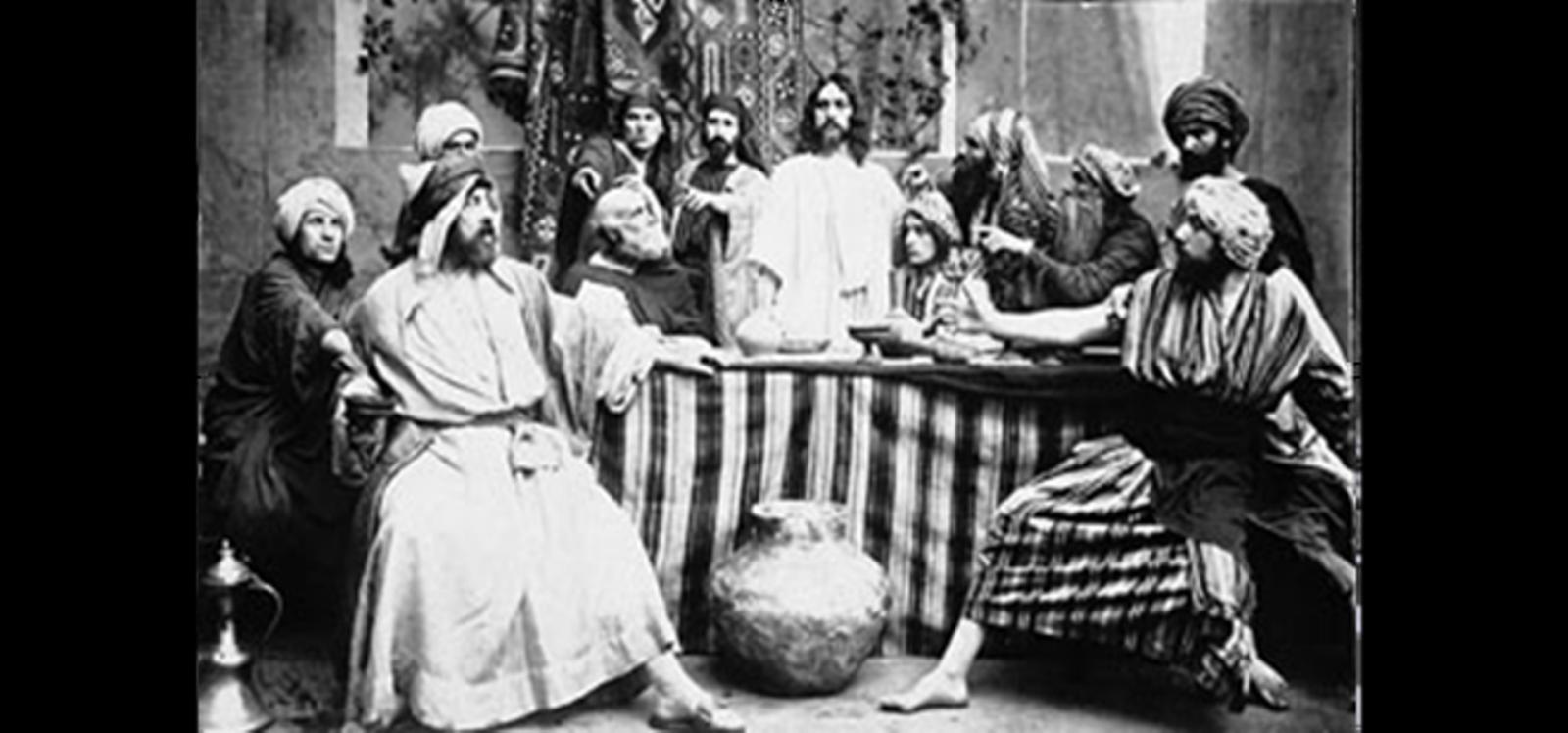 "Mounet-Sully interpète Judas dans le film ""Le Baiser de Judas""."