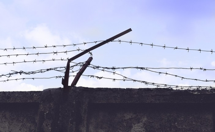 Faire du théâtre en milieu carcéral: une opportunité pour les artistes ?