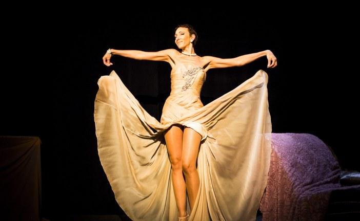Mademoiselle : Isabelle Layer perpétue la tradition du cabaret