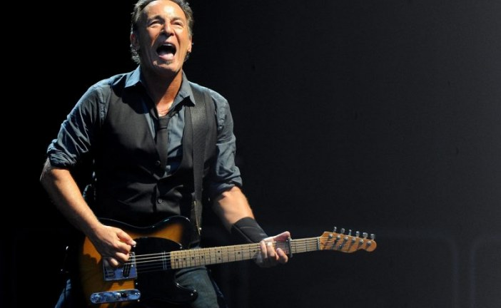 Bruce Springsteen attaque Donald Trump : «Je n'ai jamais foi en un escroc»