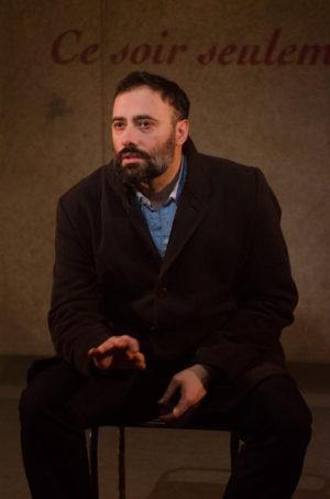 """Xavier Gallais dans """"Guérisseur """"de Brian Friel, mise en scène Benoît Lavigne eu Lucernaire (crédits : Karine Letellier)"""