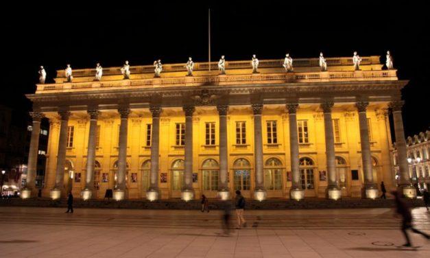 Invasion massive du Grand théâtre de Bordeaux: les syndicats CGT quittent le lieu