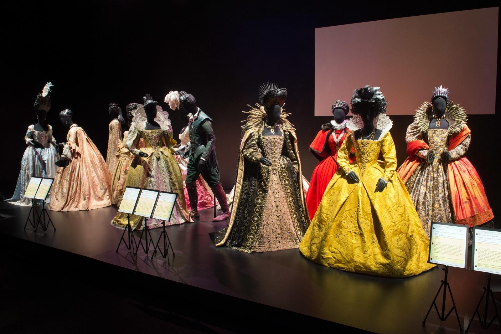 Ce week-end, le théâtre des Célestins à Lyon vend ses costumes