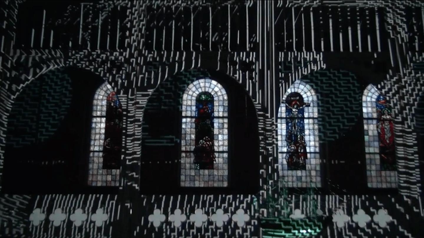 Impressionnante installation vidéo dans l'église de Svelvik en Norvège
