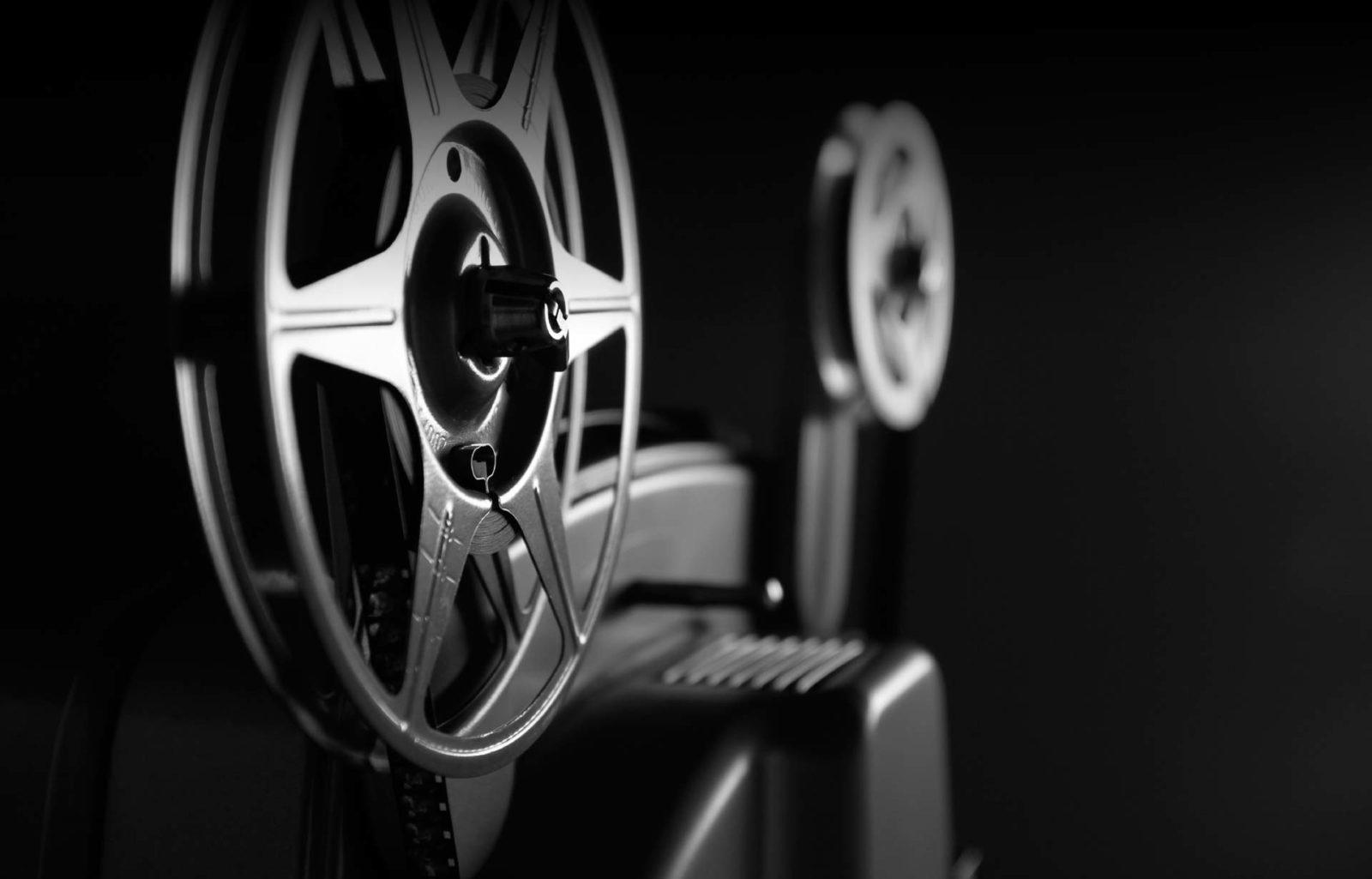 Cinéma – Accord trouvé sur la diffusion des films : artistes et spectateurs en sortent gagnant !
