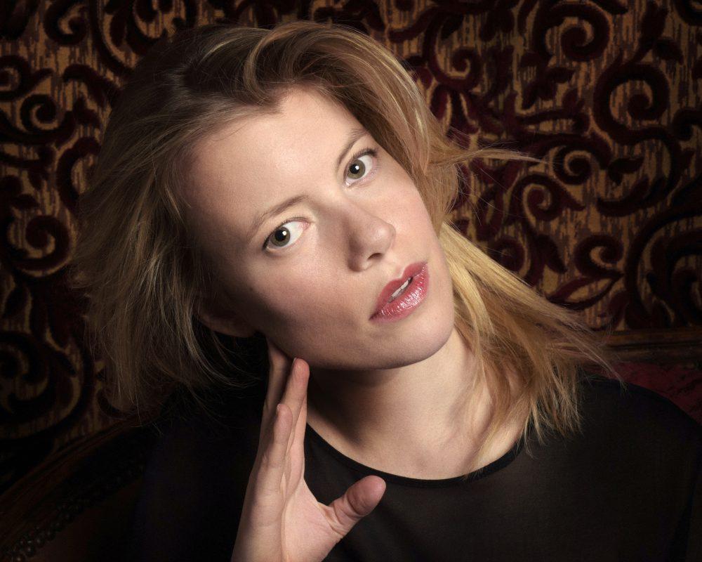 La jeune et talentueuse exploratrice Eva Provence part à la conquête de producteurs