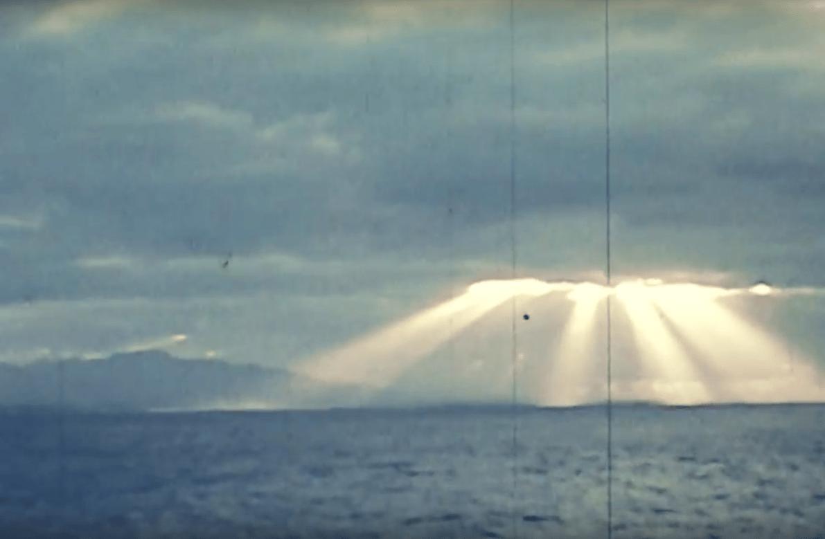 Clip-vidéo – Entre chant en créole et pop moderne, Ariel Ariel nous emmène avec eux dans les îles…