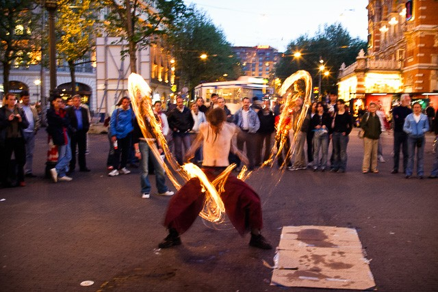Arts de rue : «Un espace public en état d'urgence artistique»