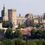 """Roselyne Bachelot: """"Je suis persuadée que les festivals de Bourges et d'Avignon auront lieu"""""""