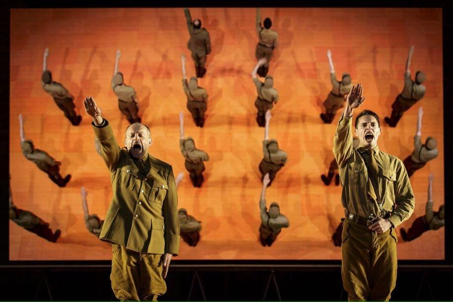 Les Damnés : une perfection esthétique au service d'un théâtre bourgeois