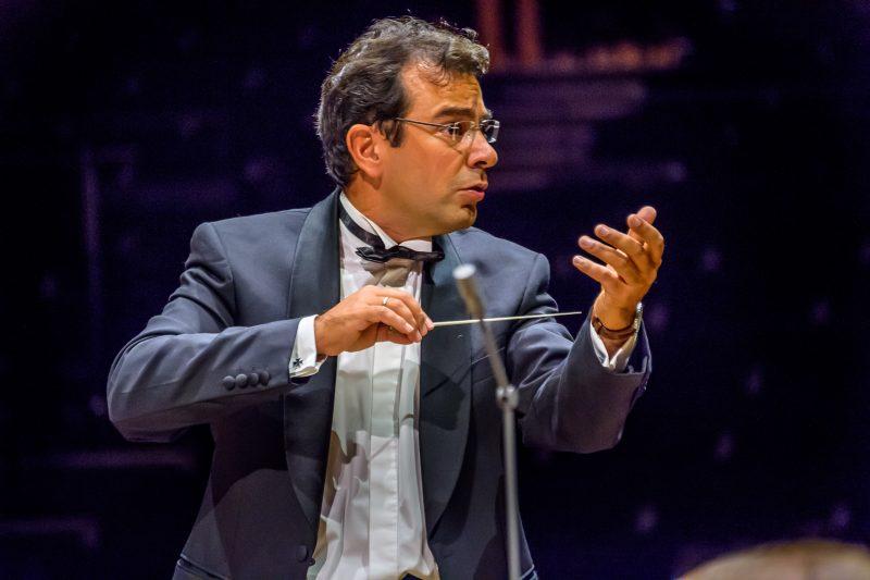 Un chef français dirige l'orchestre de Téhéran, une première depuis la révolution
