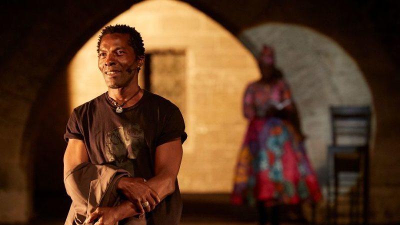 Léopold Senghor et sa «Femme noire» : la Cour d'honneur prise aux entrailles