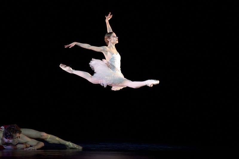 Laëtitia Pujol, danseuse étoile de l'Opéra de Paris, raccroche ses souliers