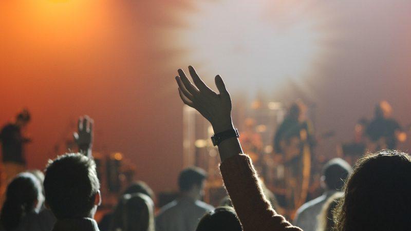 Les concerts debout reprendront le 30 juin (sous conditions)