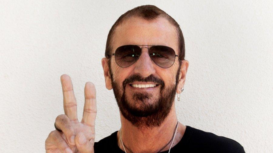 Ringo Starr et Hugh Laurie distingués par Elizabeth II