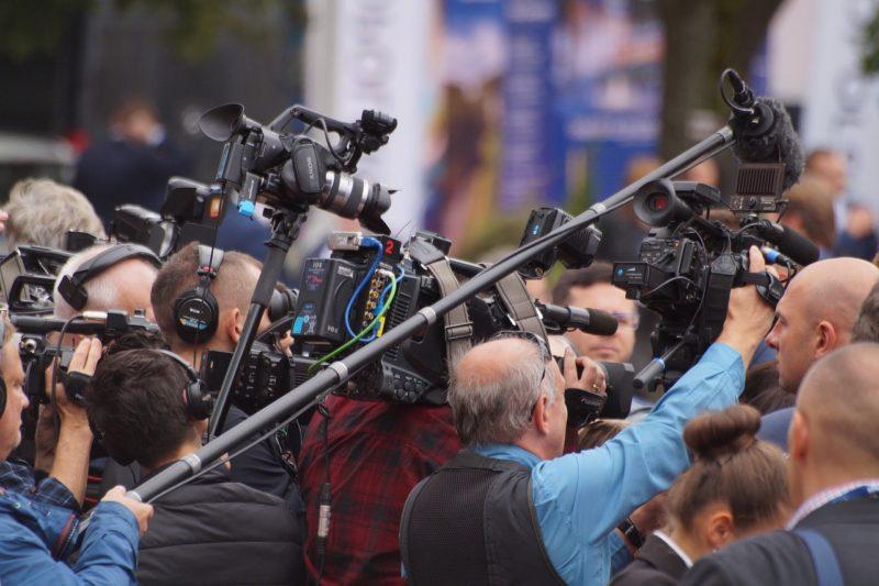 Pourquoi l'audiovisuel public est-il tellement critiqué ?