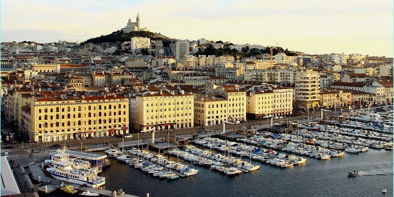 Marseille – Lieux publics recrute un chargé de communication (h/f)