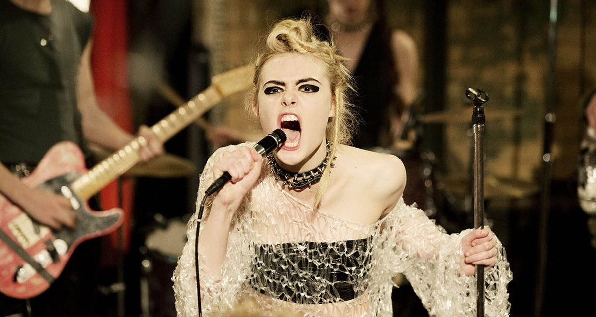 How To Talk To Girls At Parties : surnaturelle Elle Fanning