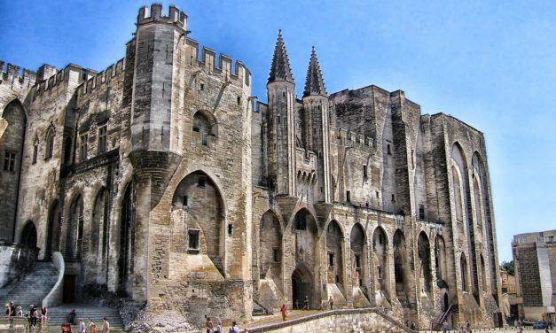 Le Festival d'Avignon développe son offre numérique et valorise son patrimoine