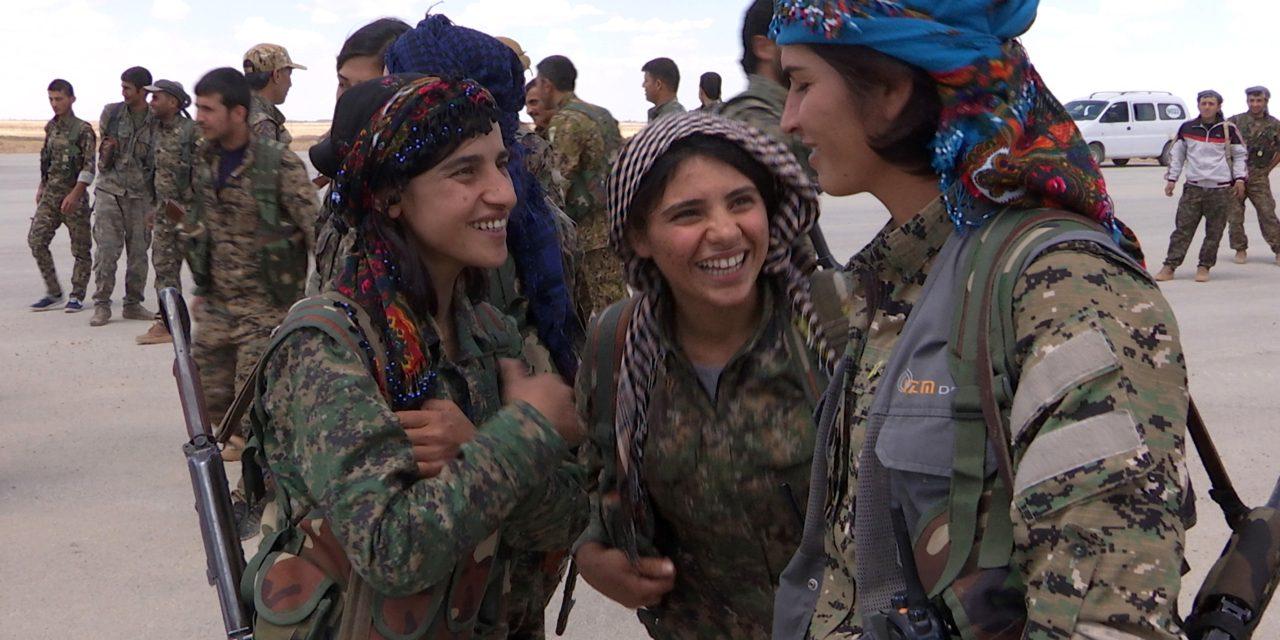 «Filles du feu» : faire la guerre sans l'aimer