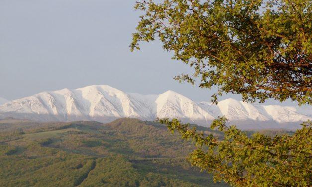 """2 décembre 1949 : une """"énorme chaîne de montagnes"""""""
