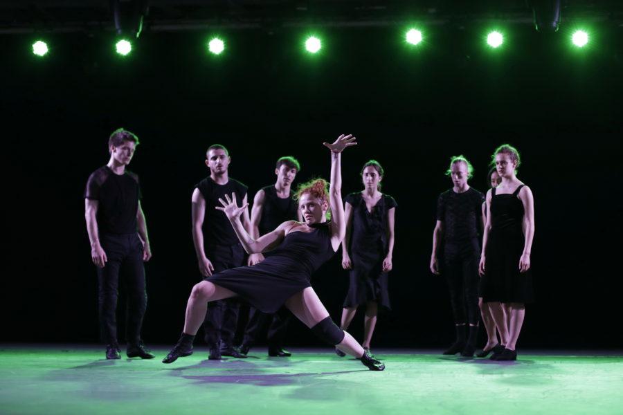 Venezuela d'Ohad Naharin - Batsheva Danse Company © Ascaf