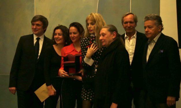 Carine Lacroix couronnée par le premier Prix Café Beaubourg : femme et talentueuse