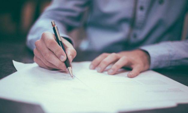 Un CDD doit obligatoirement être signé par le salarié et l'employeur