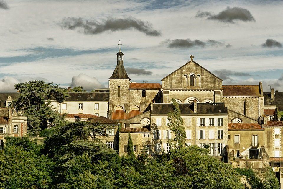 Le Centre Dramatique National Poitiers Nouvelle-Aquitaine recrute son chargé de la communication (h/f)