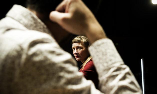 """""""Orphelins"""" de Dennis Kelly: et l'enfant dans cette Cohue?"""