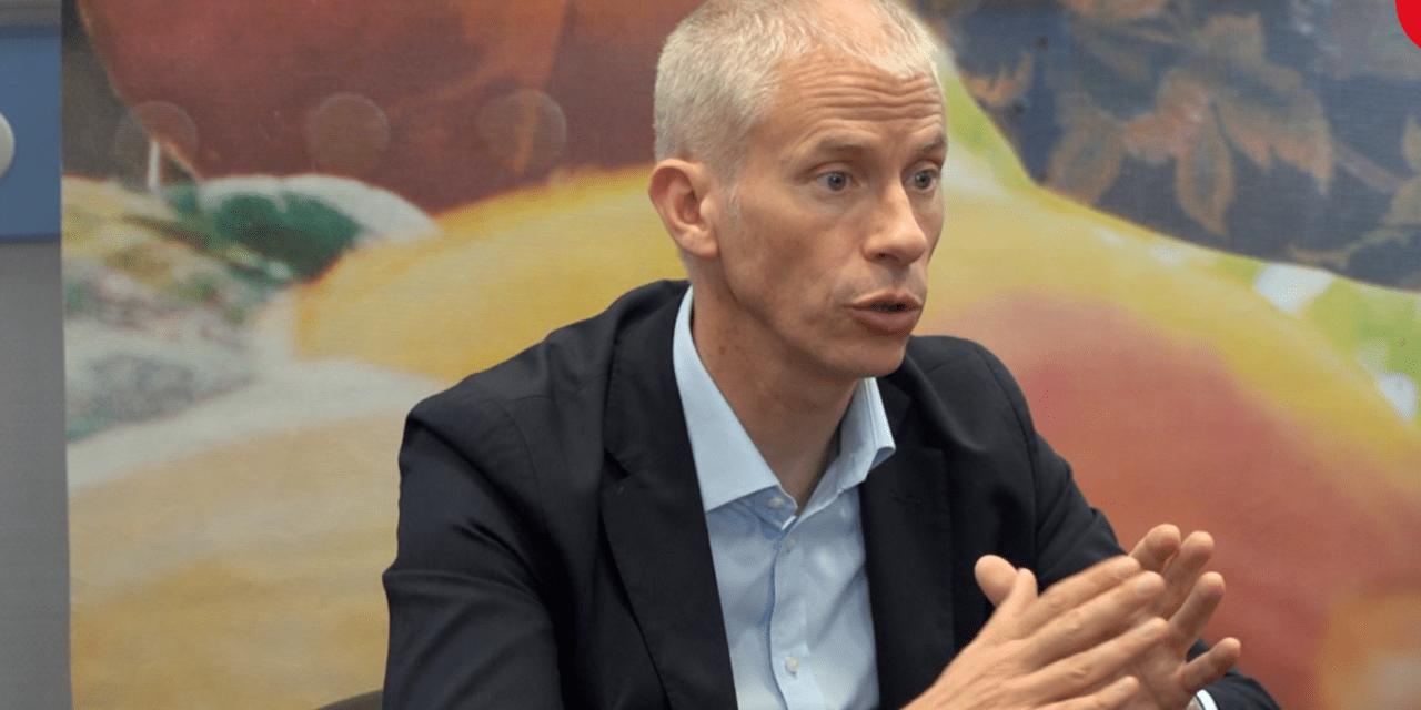 """Précarité des auteurs : le """"plan d'action"""" de Franck Riester"""