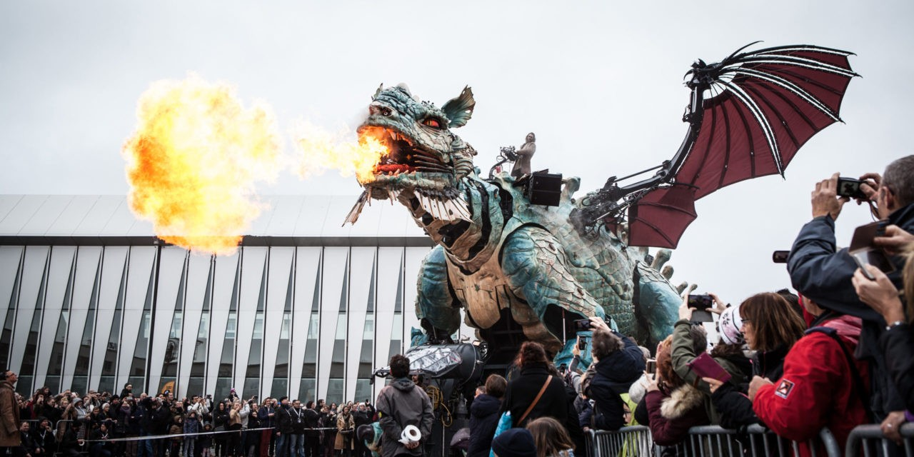 """""""Le dragon de Calais"""" : une créature monumentale débarque sur la Côte d'Opale"""