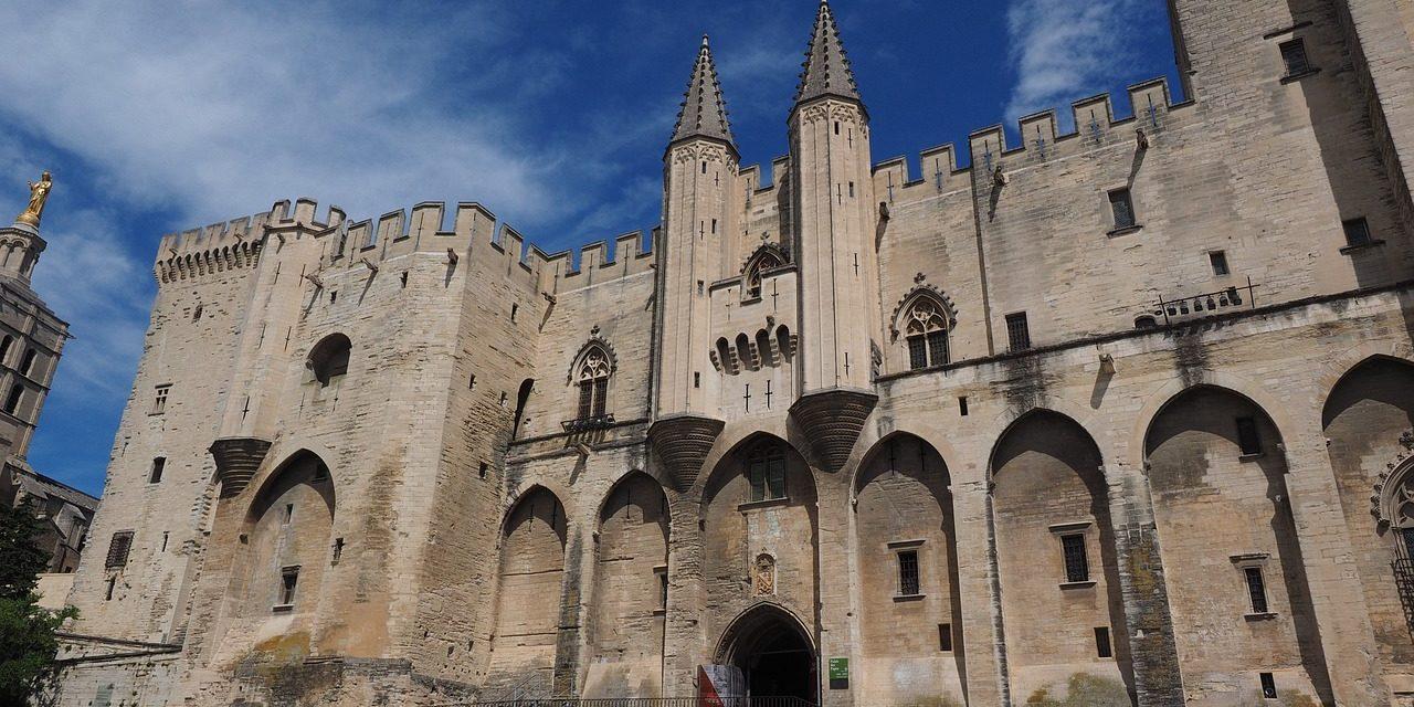 Coronavirus : le festival et le Off d'Avignon auront-ils lieu?