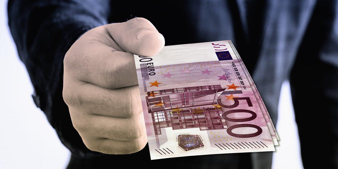 Coronavirus : Jean Castex annonce 2 milliards d'euros pour la Culture, le secteur soulagé mais attend le détail