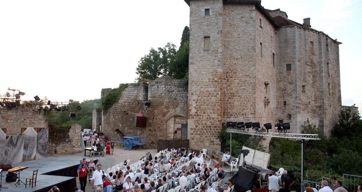 Le magnifique village de Bruniquel voit son festival maintenu cet été