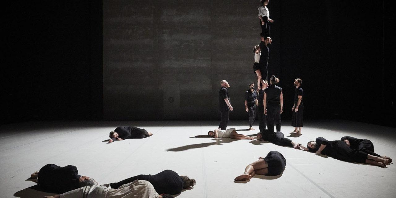 """Art de rue – """"Möbius"""" de la Compagnie XY: le témoignage muet d'un grand patrimoine humain"""
