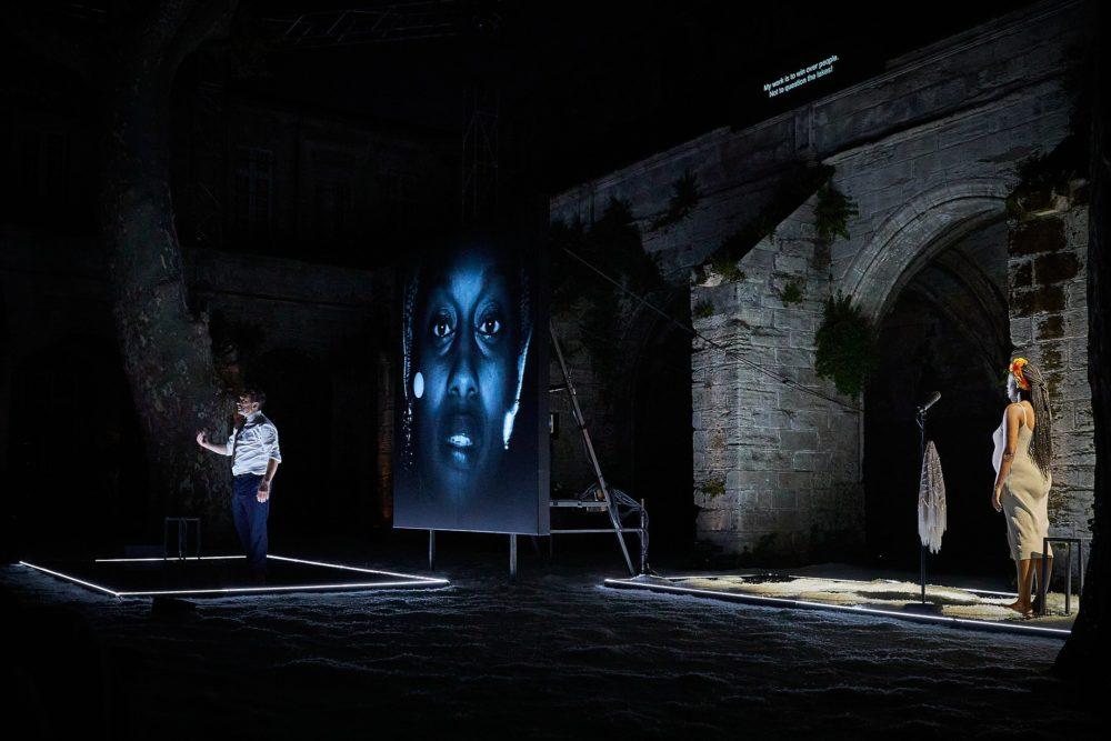 La dernière nuit du monde, Avignon, 2021 (© Christophe Raynaud de Lage Festival d'Avignon)