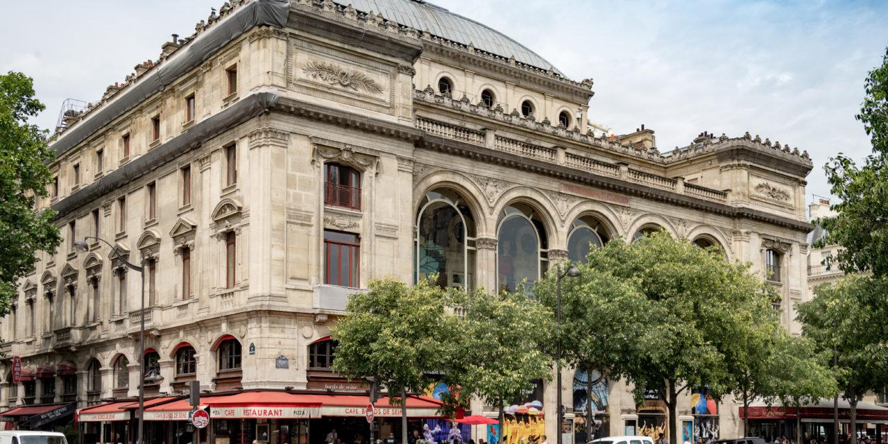 Vente de costumes lors des journées européennes du Patrimoine au Théâtre du Châtelet
